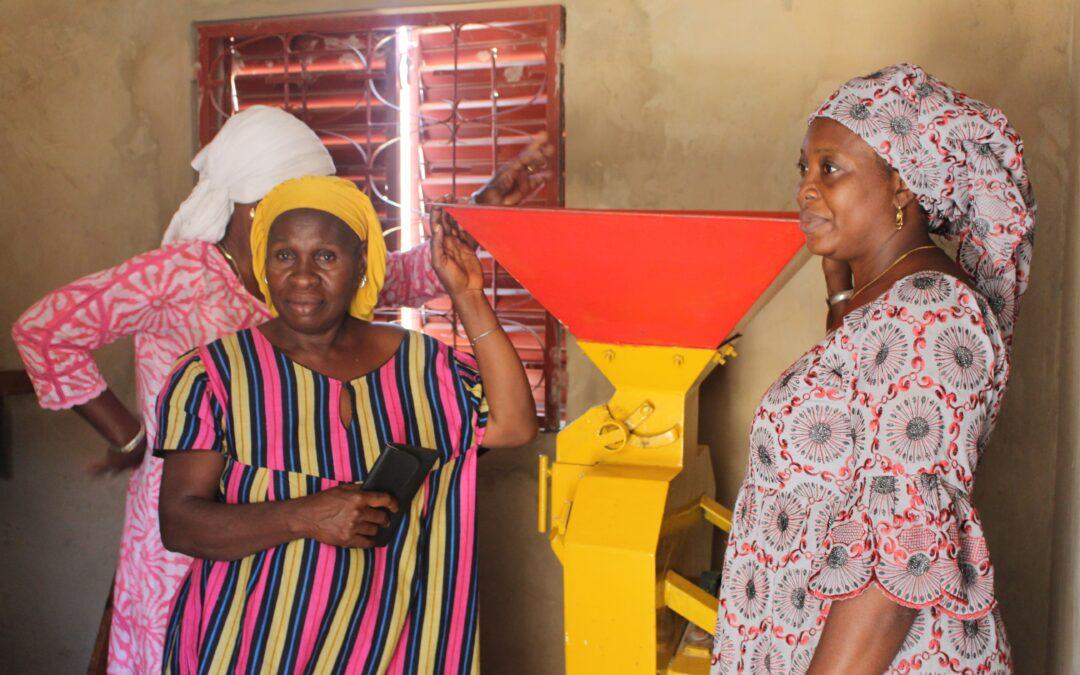 Molinos para moler el mijo: ayudas a las mujeres en su desarrollo